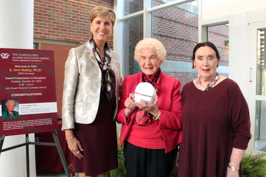 Chancellor Feyten, E. Ann Nalley and previous Chancellor Ann Stuart.