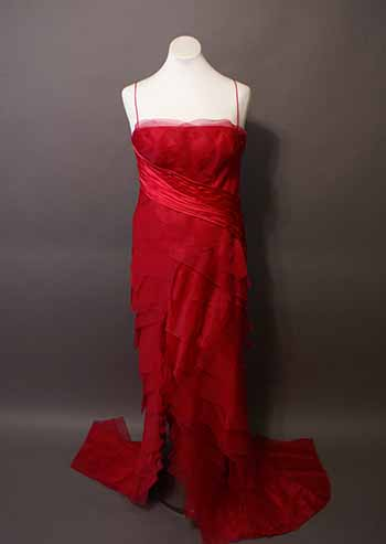 Anita Perry's gown, a floor length red gown with red lace.