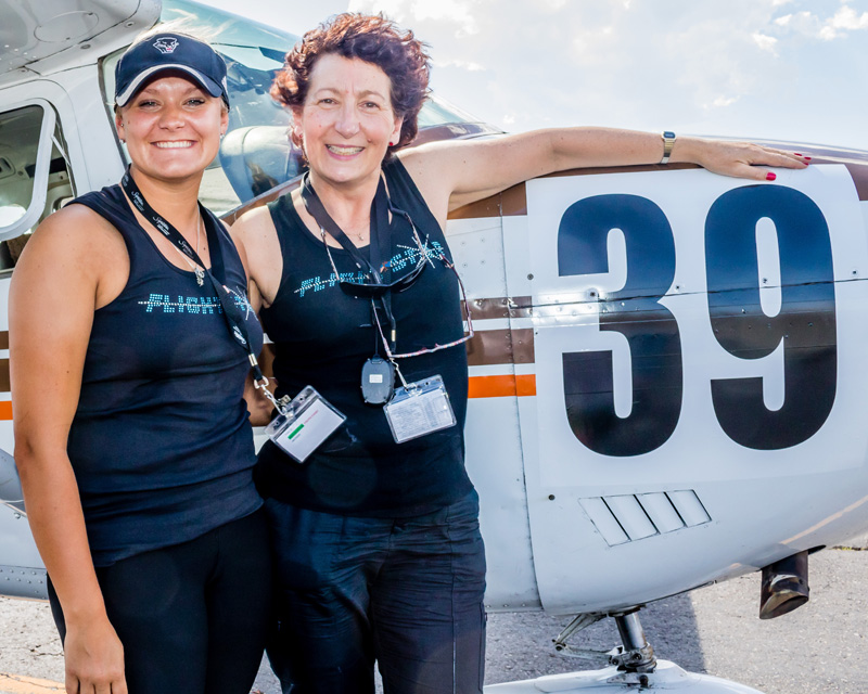 Pilots from Air Race Classic 2017 pose with their plane