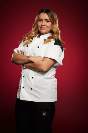 texas womans alum returns to hells kitchen - Hells Kitchen Season 17
