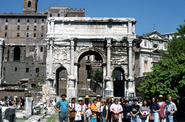 TWU students visiting the Arch of Septimius Severus in Rome.